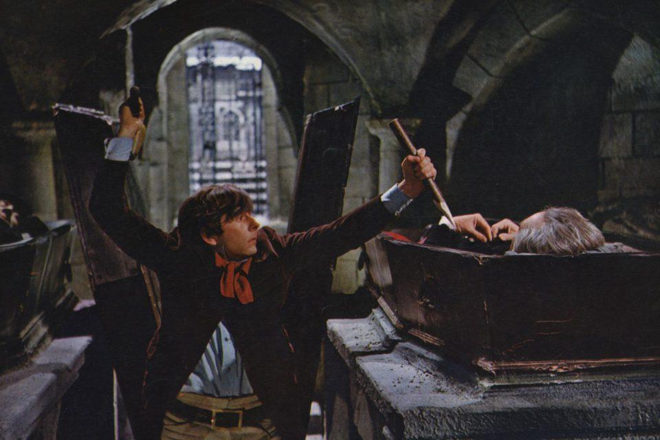 Как правильно защититься от вампиров?